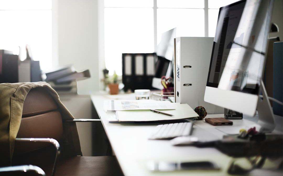 Cómo limpiar los aparatos electrónicos de tu oficina